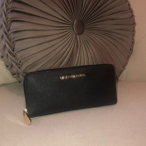 Michael Kors Jet Set Large Wallet